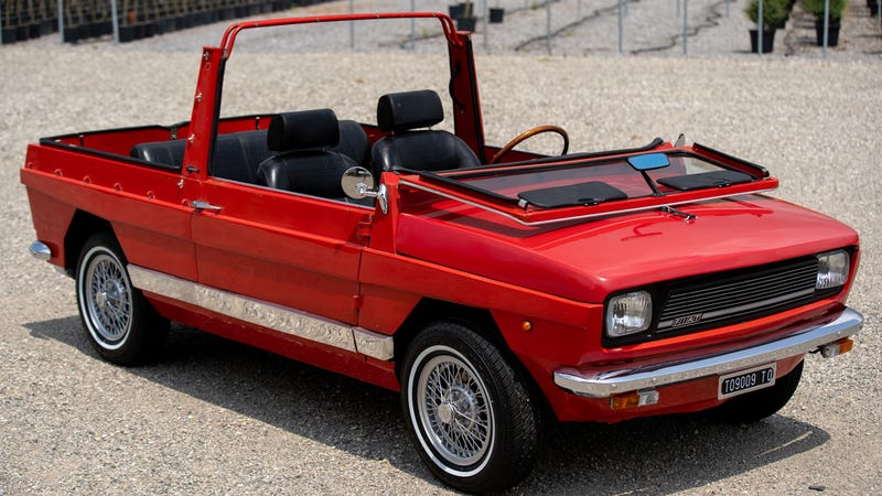 Illustration for article titled This Fiat-Based Beach Car Is A Tiny Box Of Joy