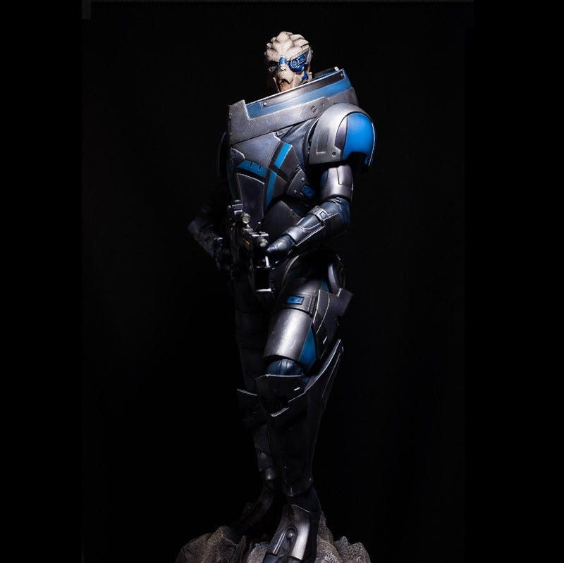 Illustration for article titled This Garrus Vakarian statue has been calibrated to perfection