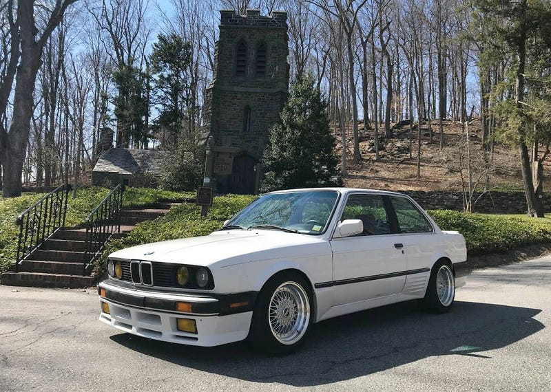 Illustration for article titled At $6,000, Could This Zenderized 1987 BMW 325is Make You Believe In Coupé De Foudre?