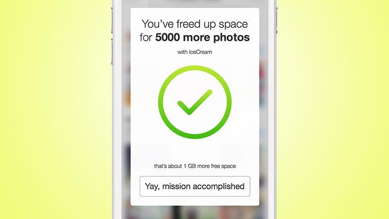 Illustration for article titled Esta aplicación hace que puedas guardar miles de fotos más en tu iPhone