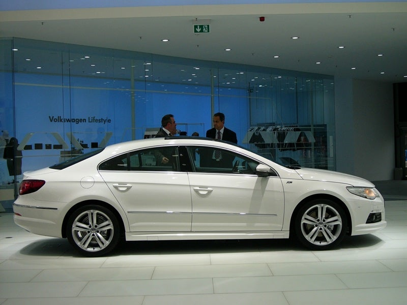 vw passat cc r line an audi a4 s line for the people. Black Bedroom Furniture Sets. Home Design Ideas