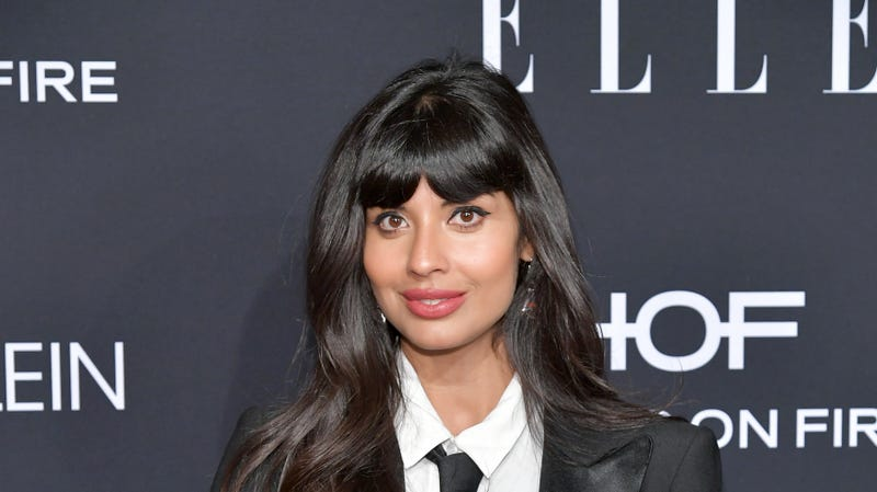 Illustration for article titled Jameela Jamil Hopes Celebrities Shit Their Pants in Public