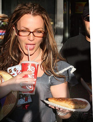 Illustration for article titled Britney's Pizza Doesn't Look That Great