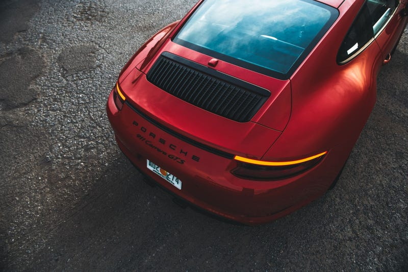 Illustration for article titled Tarvis just compared a naturally-aspirated Porsche 911 engine to Alanis Morisette