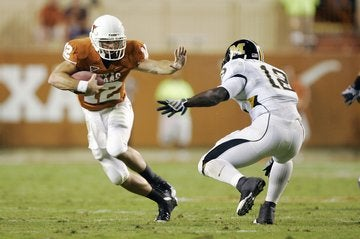 Illustration for article titled College Football Recap: (Insert Obligatory 'Don't Mess With Texas' Headline Here)