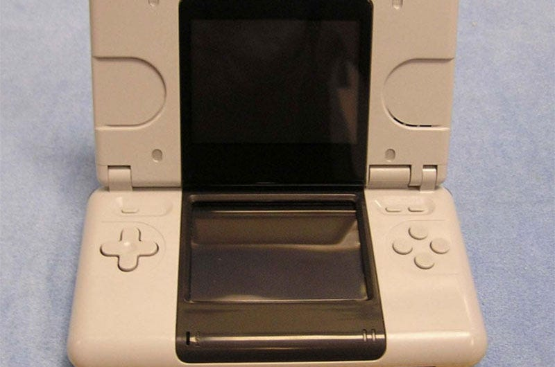 a close look at a prototype nintendo ds