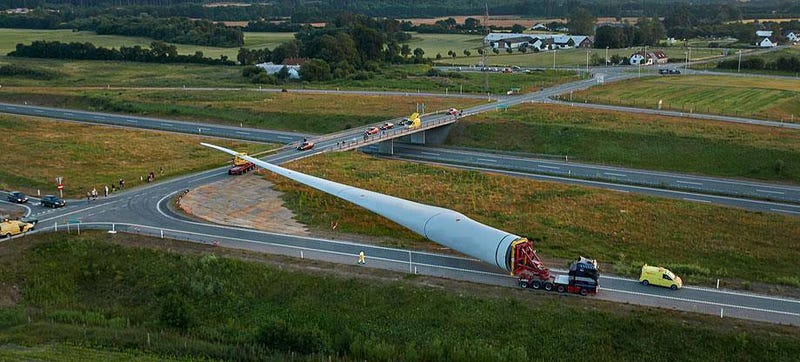 Illustration for article titled The world's largest wind turbine blade on the road