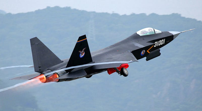 Illustration for article titled Amazing Photos Of China's Newest Stealth Jet Show Growing Air Might