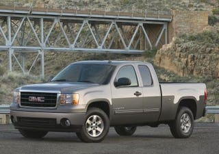 Illustration for article titled GM Builds Its First Hybrid Trucks