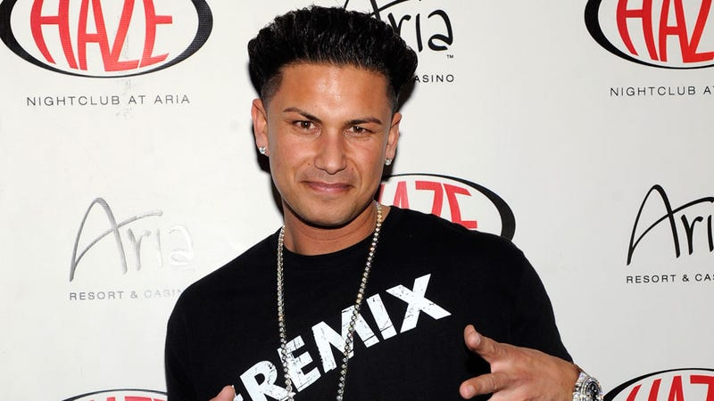 Illustration for article titled Pauly D's Custody Battle Has Quickly Turned Ugly and Sexist