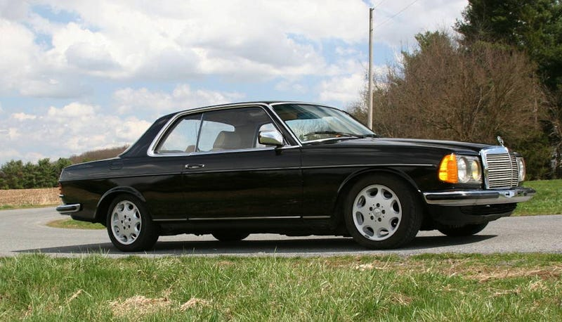 Illustration for article titled For $7,995, Could You See Yourself In This 1983 Mercedes 230CE?
