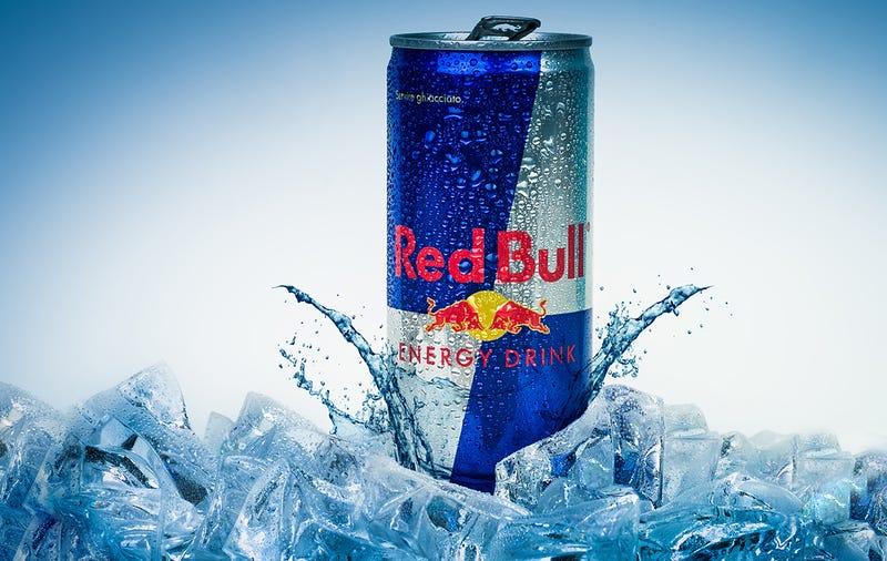 Illustration for article titled Red Bull tendrá que pagar 10 dólares a cada canadiense al que no ha dado alas