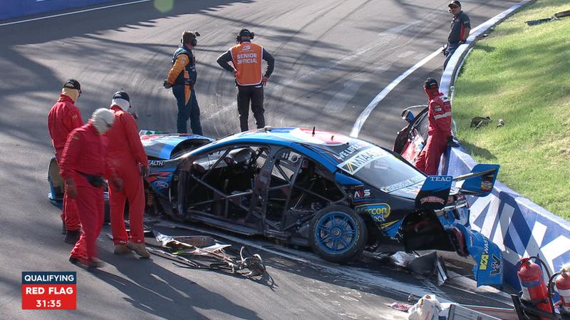 Illustration for article titled Violent V8 Supercar Crash Rips Side Of Car Open, Shuts Down Bathurst Qualifying