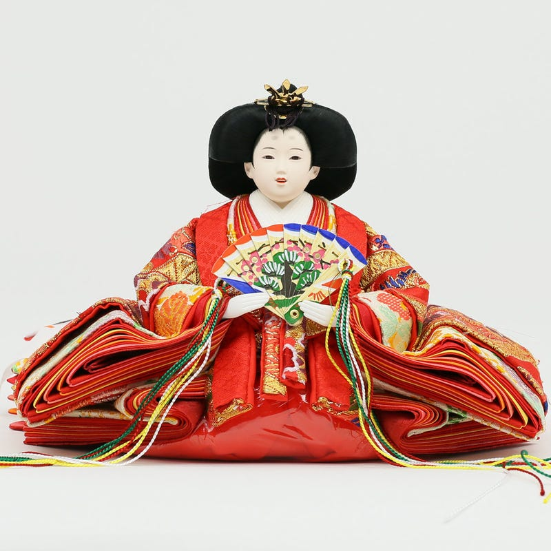 Illustration for article titled The making of Japanese Hina dolls for the Doll Festival
