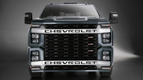 The 2020 Chevrolet Silverado HD High Country Fixes the ...