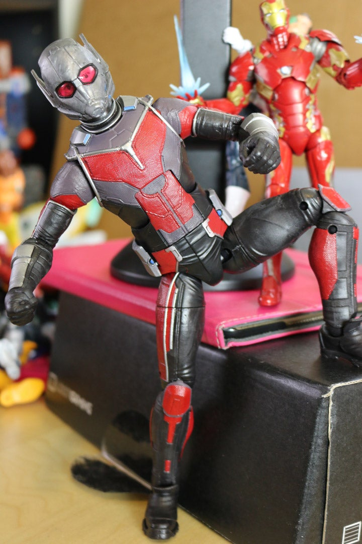 Toy Moment Builds a Giant Man out Of Marvel Legends Motion Figures