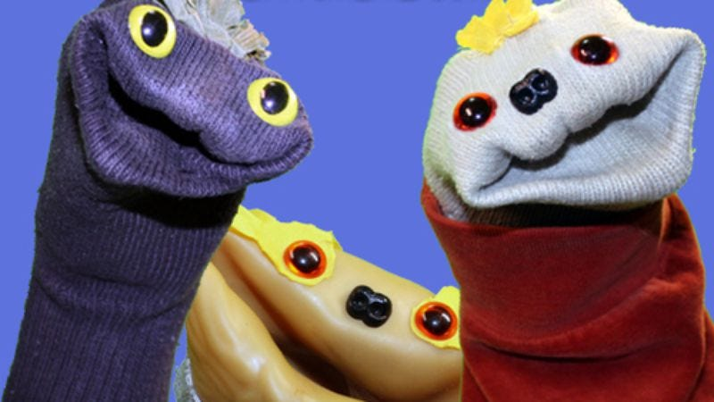 Illustration for article titled The Sifl & Olly Show returns to…review video games?