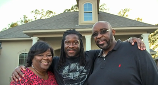 Illustration for article titled Eddie Lacy's Mom Sent Him Some Nice Texts Yesterday
