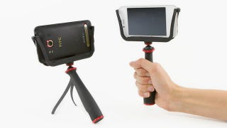Illustration for article titled The Slingshot Is a Grip and Tripod for Perfect Mobile Photos from Any Phone