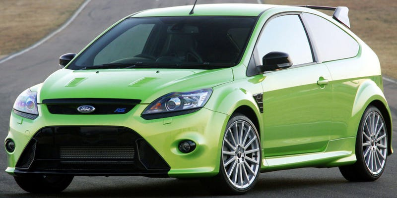 Illustration for article titled I just saw a bright green previous-gen Focus RS in the US... How...