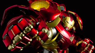 Illustration for article titled Holy Cow, Sentinel's Hulkbuster Figure Looks Amazing