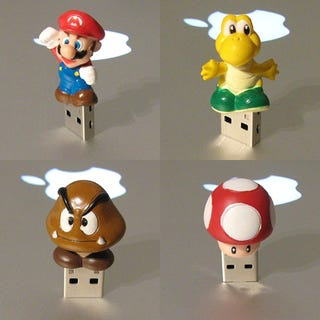 Illustration for article titled Check Out These Custom Mario USB Thumb Drives