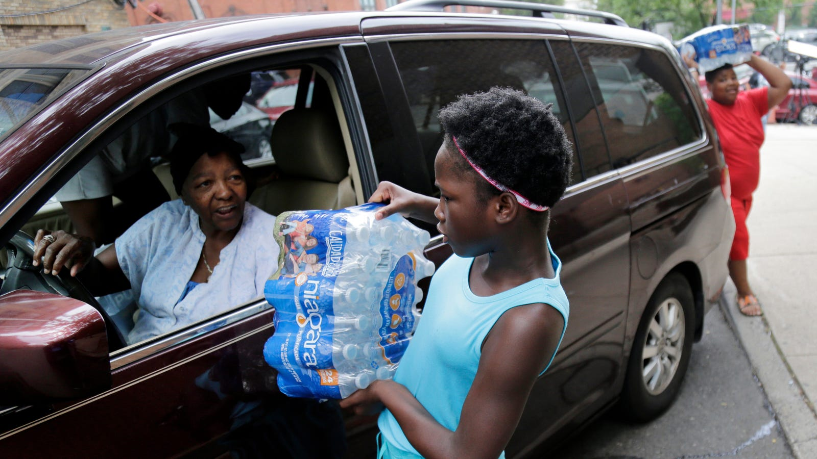 photo of Newark's Lead-Tainted Water Crisis Is Getting Worse image