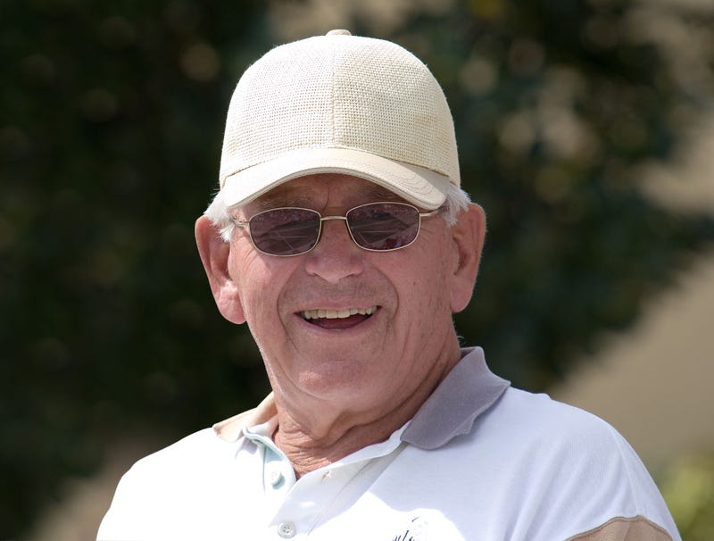 Illustration for article titled Grandpa Looking Absolutely Precious In New Baseball Cap