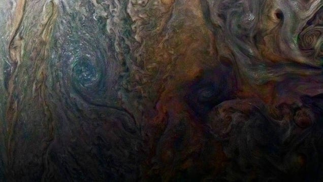 New Up-Close Image of Jupiter Is So Hypnotic It Hurts