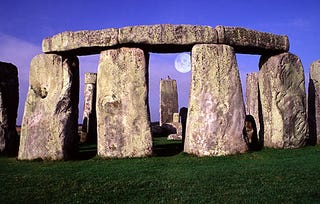 Illustration for article titled People Have Been Visiting Stonehenge for 9,000 Years, Say Archaeologists