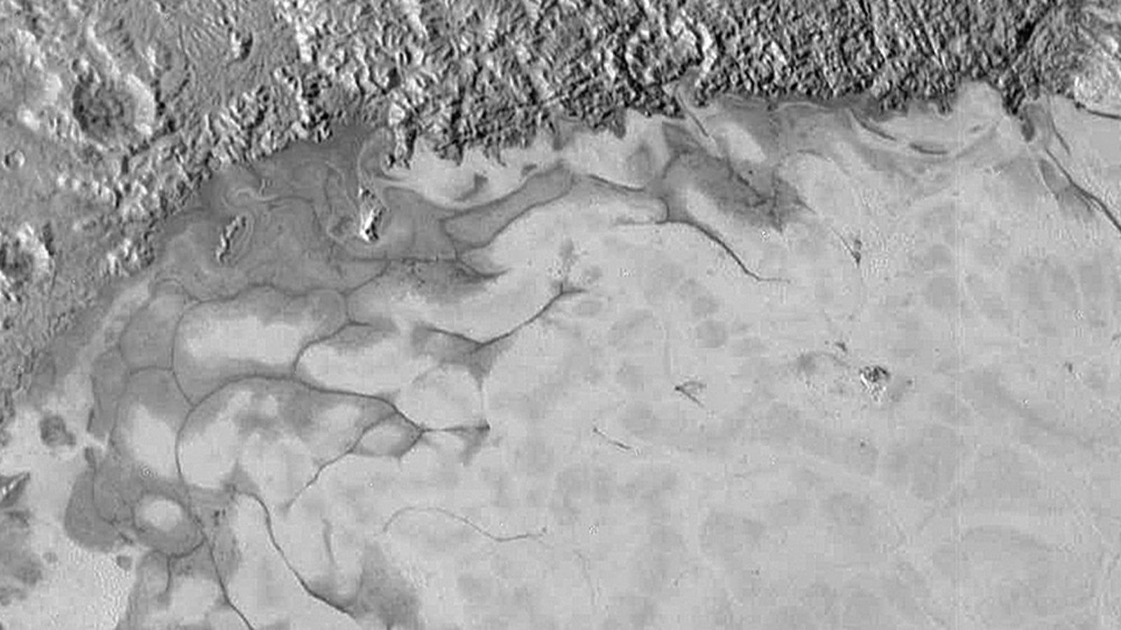La New Horizons encuentra indicios de corrientes de hielo en Plutón