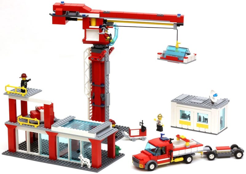 Illustration for article titled Turn your Lego fire house into a construction site