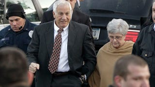Illustration for article titled Jerry Sandusky Has A Couple Of Legal Advantages Over His Accusers, Thanks To Ass-Backward Pennsylvania Law [UPDATE]