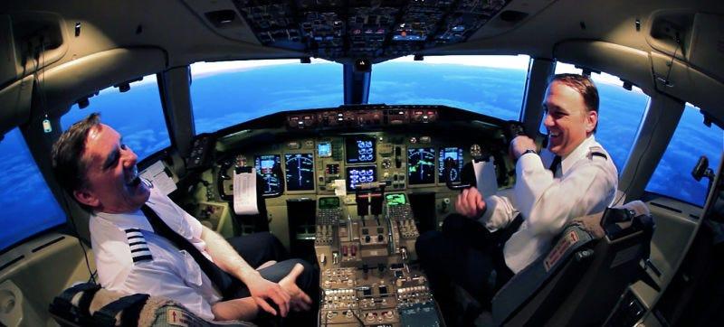 Illustration for article titled El Departamento de Transporte de EE.UU advierte: los pilotos están olvidando cómo volar en manual