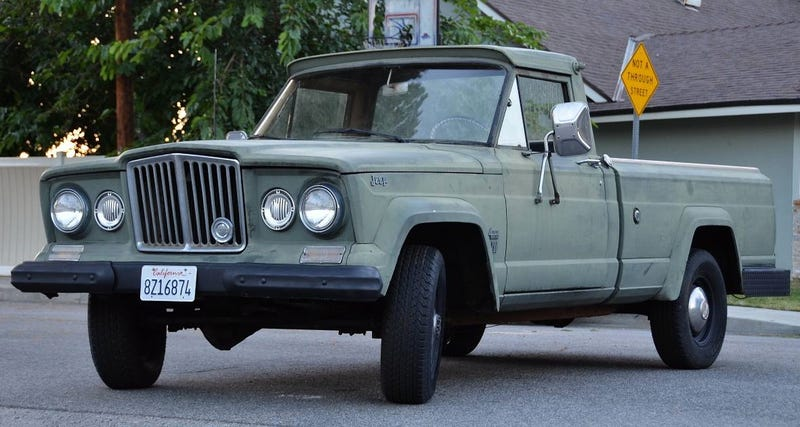 Illustration for article titled For $4,900, Are You Not Entertained By This 1964 Jeep Gladiator?
