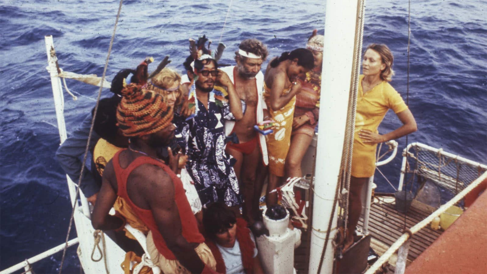 In The Raft, 10 Human Guinea Pigs Stop Being Polite and Start Getting Real... On a Boat