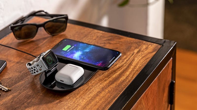 Mophie's 3-in-1 Pad Is the First Multi-Device Wireless Charger on