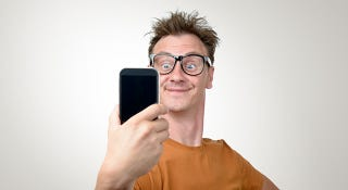 Illustration for article titled Men Who Post Lots of Selfies Show Signs of Psychopathy, Says Study