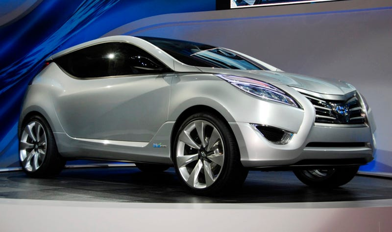 Illustration for article titled Hyundai Nuvis Concept: Hybrid Blue Drive Gives It Wings