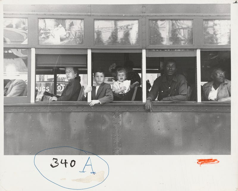 Illustration for article titled Sift Through Hundreds of Images by Legendary Photographer Robert Frank