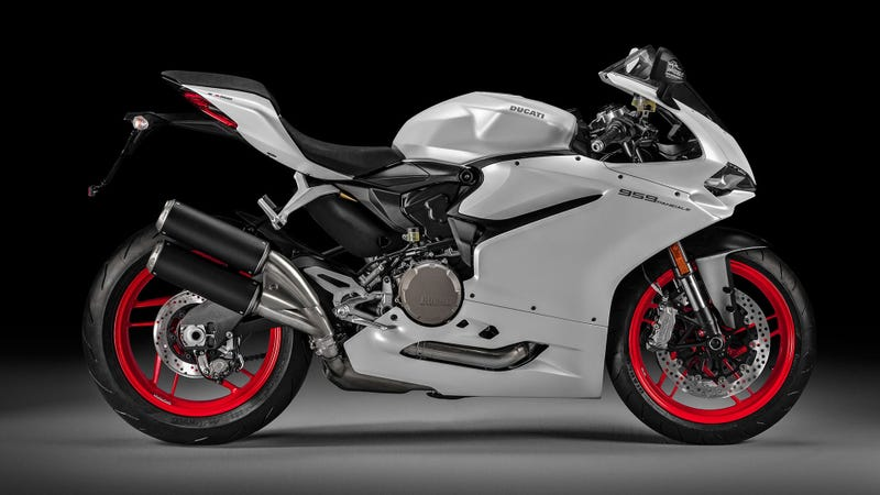 Illustration for article titled 2016 Ducati 959 Panigale: Bigger Motor For Better Emissions