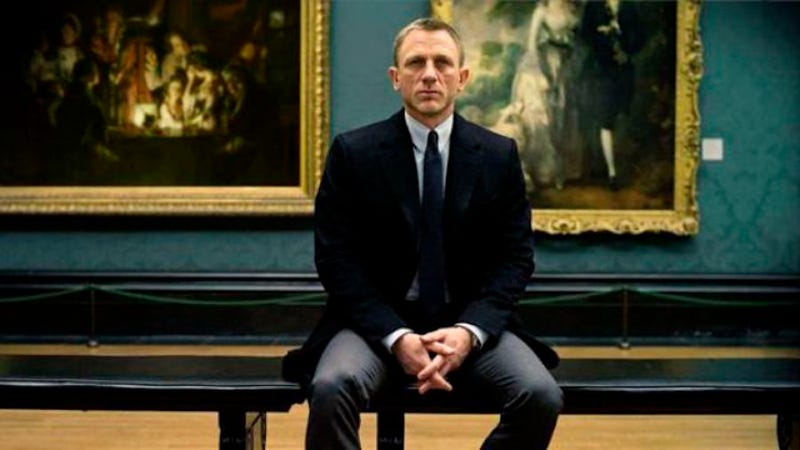 Illustration for article titled Bond 25 production delayed due to legendary klutz Daniel Craig
