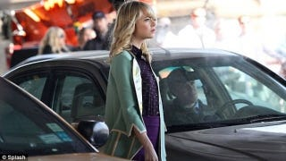 Illustration for article titled Gwen Stacy is wearing a major spoiler on the Spider-Man 2 set