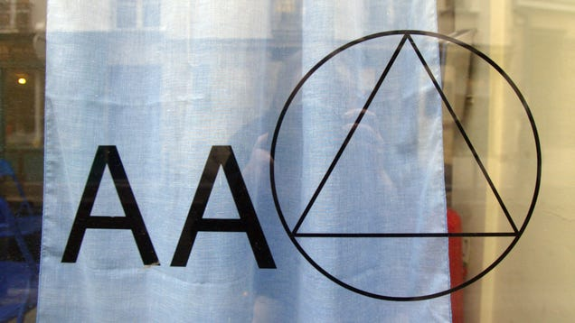 New Scientific Review Compares Alcoholics Anonymous to Therapy
