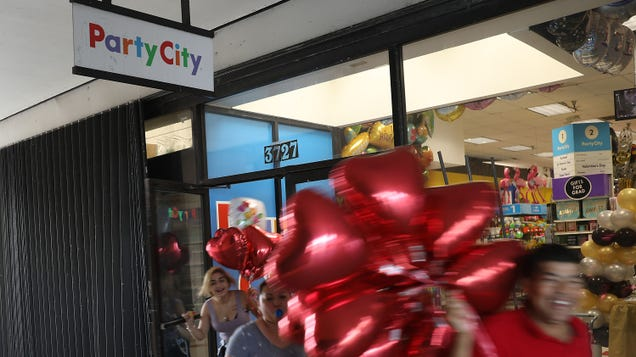 The Global Helium Shortage Has Gotten So Bad, Party City Is Closing 45 Stores