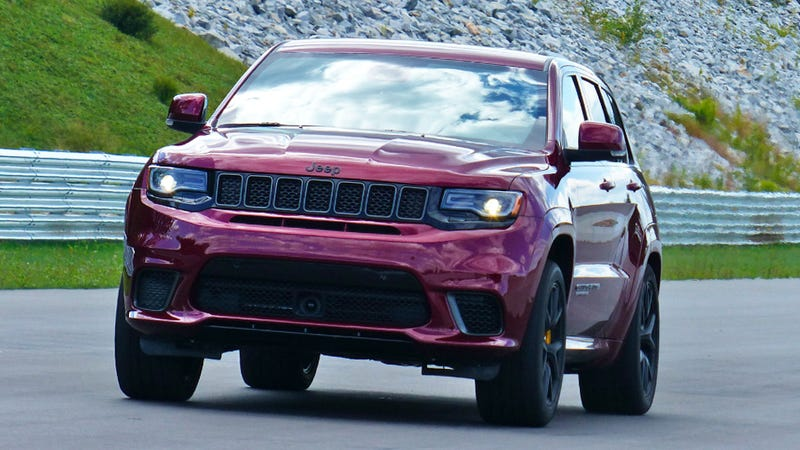 how jeep made the grand cherokee trackhawk strong enough to survive 707 horsepower. Black Bedroom Furniture Sets. Home Design Ideas
