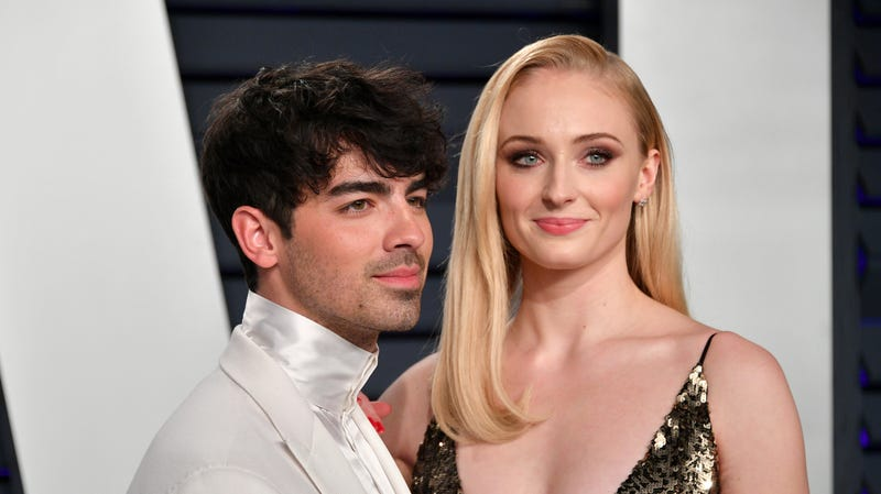 Illustration for article titled Sophie Turner Says Joe Jonas's Fans Are Learning Not to Hate Her