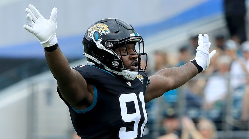 Illustration for article titled Jaguars' Yannick Ngakoue Ends Holdout Without New Contract