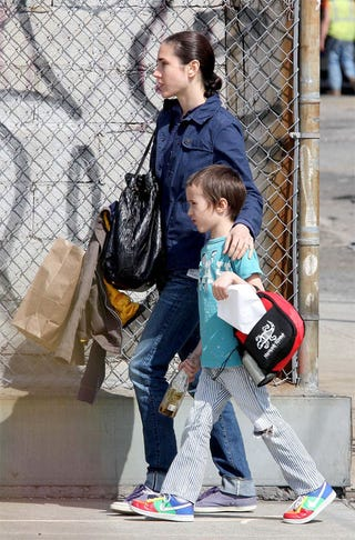 separation shoes 92fa7 22d00 Jennifer Connelly & Kid: Sneaker Chic