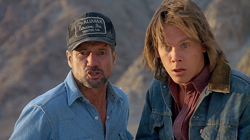 Illustration for article titled Kevin Bacon Will Star In a Tremors TV Reboot!